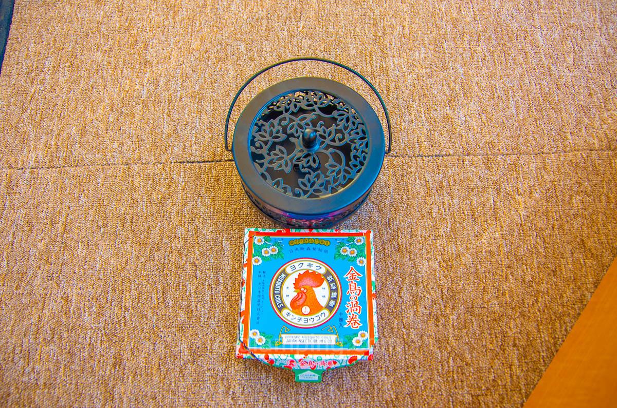 京都瑠璃浜グランドーム天橋立では蚊取り線香で虫対策がされている