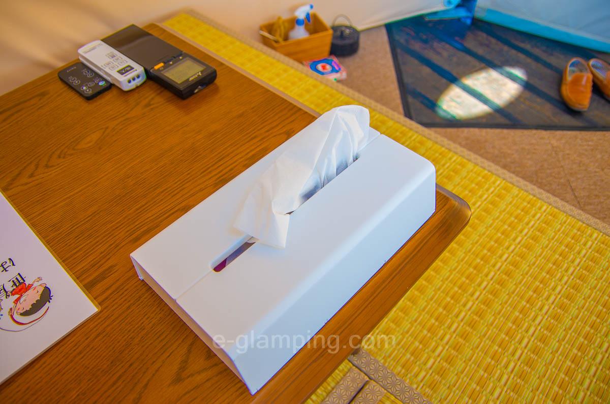 京都瑠璃浜グランドーム天橋立のテントにはティッシュが置いてある