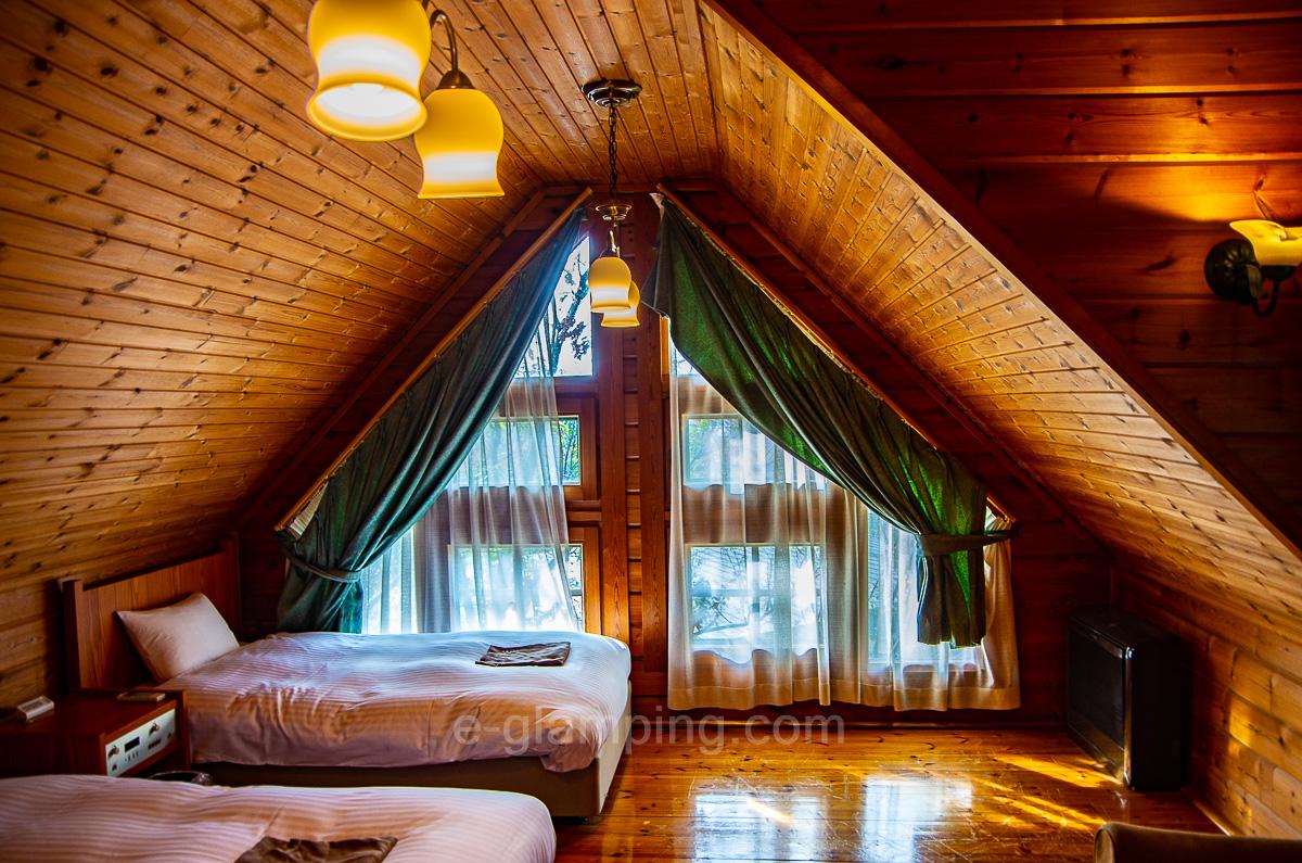 ホテル・ロッジ舞洲、森とリルのBBQフィールド体験後、ログハウス宿泊