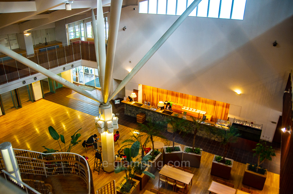 ホテル・ロッジ舞洲本館の内観