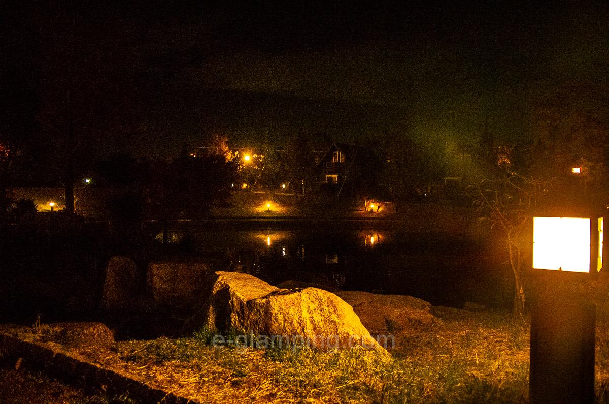 ホテル・ロッジ舞洲大浴場からログハウスの帰り道写真