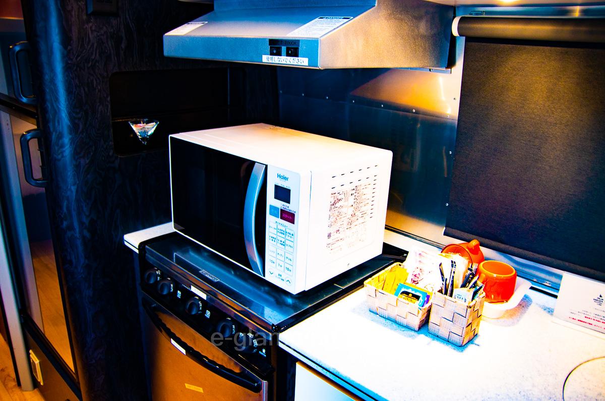 エアストリーム(電子レンジとキッチン)