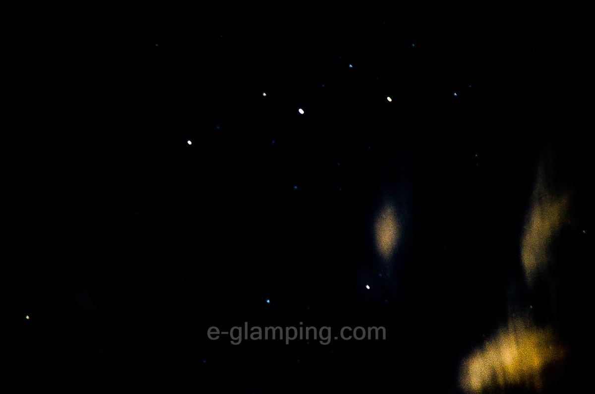 ホテル・ロッジ舞洲、森とリルのBBQフィールドのグランピング星空撮影写真