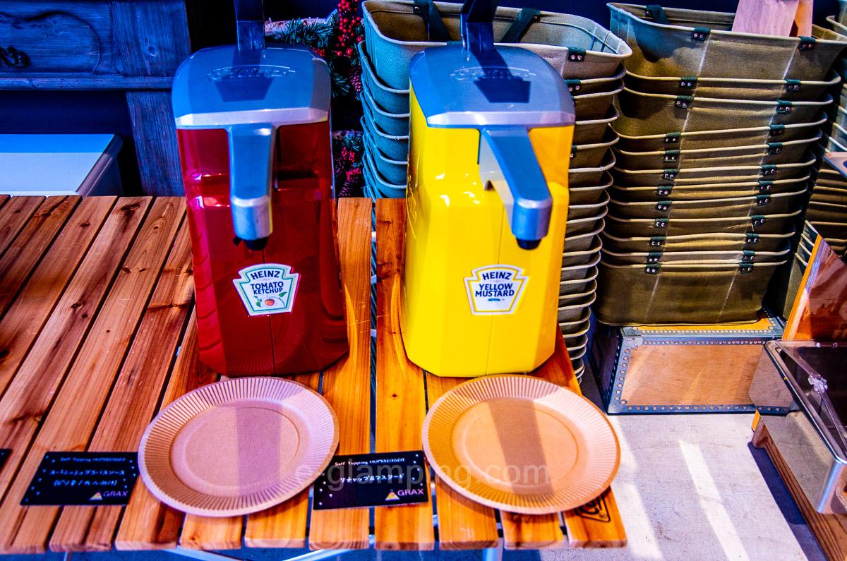 冬グランピング朝バーガー具材、ケチャップ、ソース類2