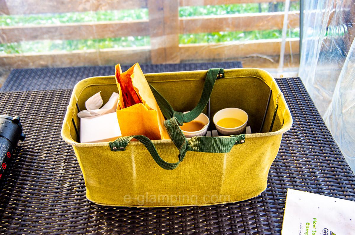 グラックスの朝食は専用のケースで持っていける