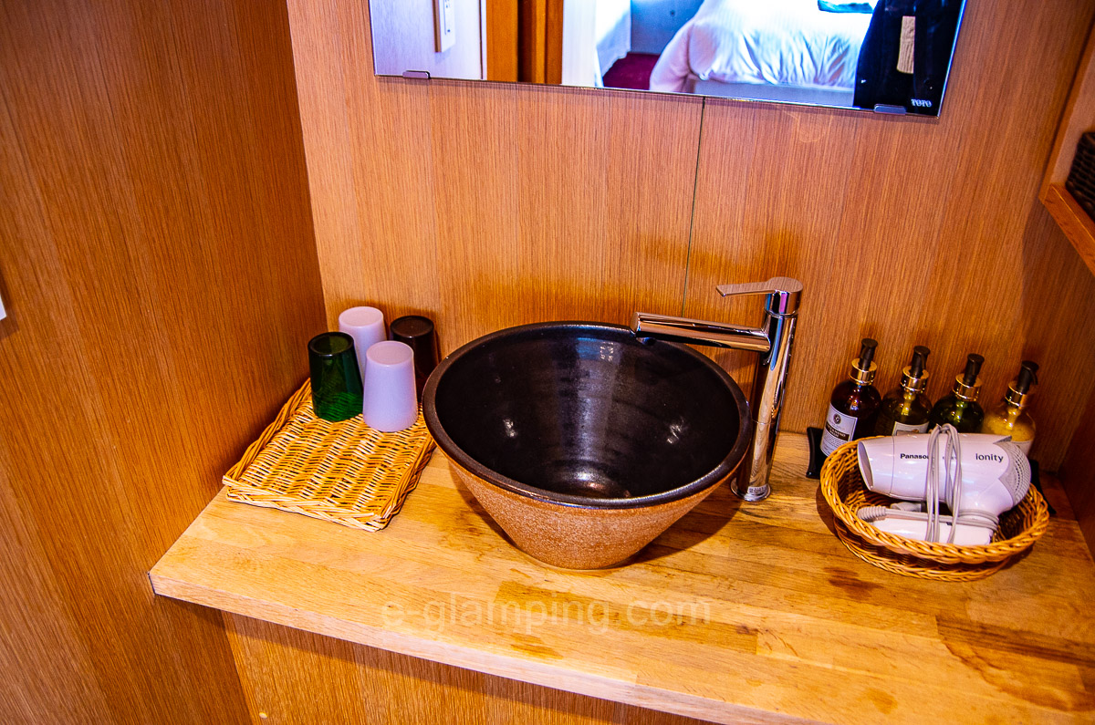 ホテル・ロッジ舞洲別館ネストの洗面台